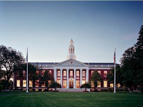 美国哈佛大学考试季遭炸弹威胁紧急疏散